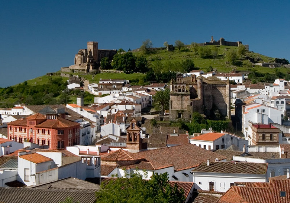 Panoramablick auf Aracena in Andaluisen, Spanien