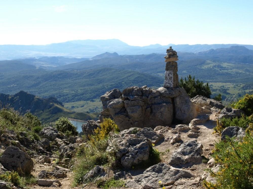 Berggipfel in der Sierra de Grazalema, Andalusien - Spanien.