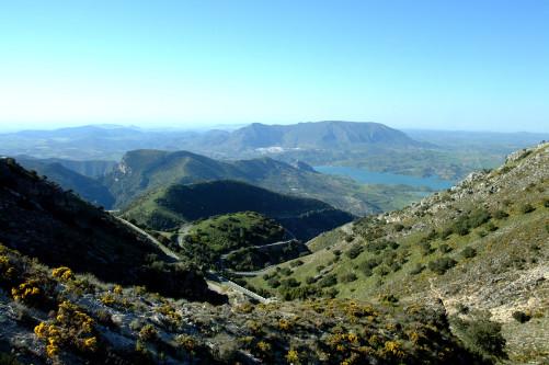 Panoramablick über die Sierra de Grazalema in Andalusien, Spanien.