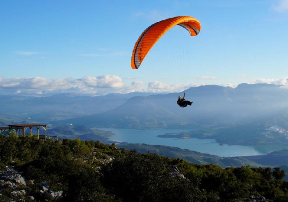 Paragliding tour El Bosque, Sierra de Grazalema, Andalusia, Spain