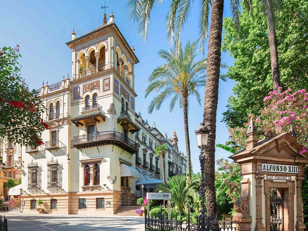 Sightseeing Stadtrundgang Sevilla. Rosina Balkon