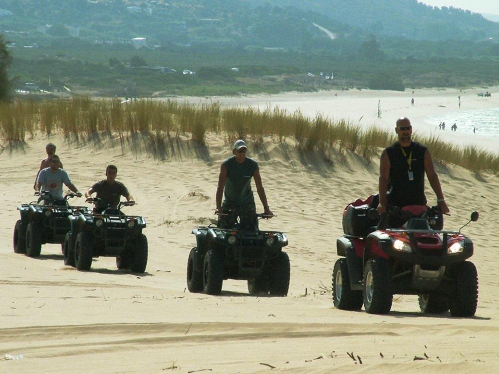 Tagesausflug Quad-Tour, Quadgruppe am Strand