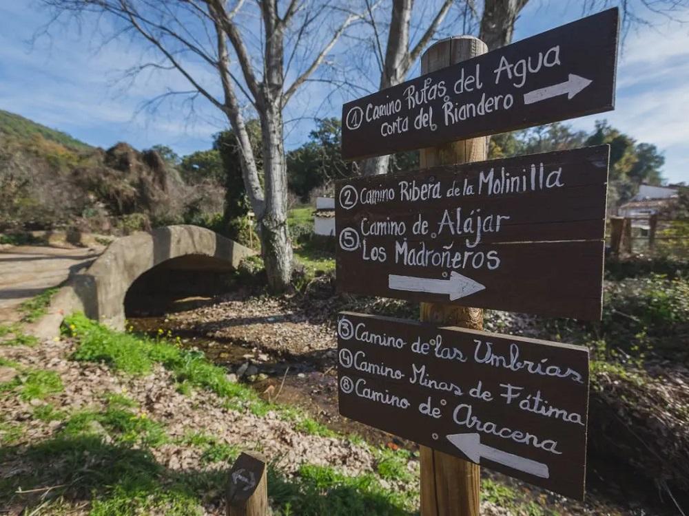Wandern in der Sierra de Aracena und Besichtigung der Gruta de las Maravillas, Wegweiser