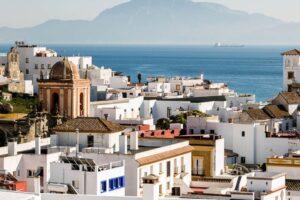 Aussicht über die Meerenge von Gibraltar und Altstadt von Tarifa